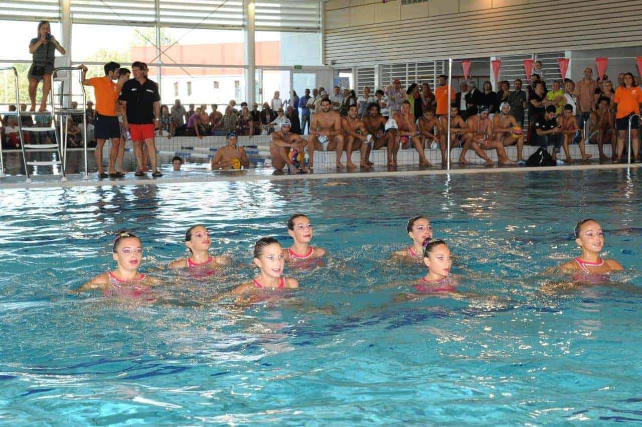 Lattes plus de 600 personnes aux journ es portes for Journee piscine